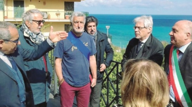 governo, porto, Santo Stefano, Messina, Economia