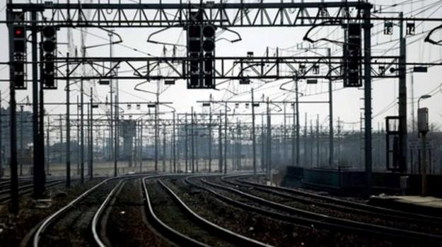 Livorno, morto, ragazzo, stazione, treno, Sicilia, Cronaca
