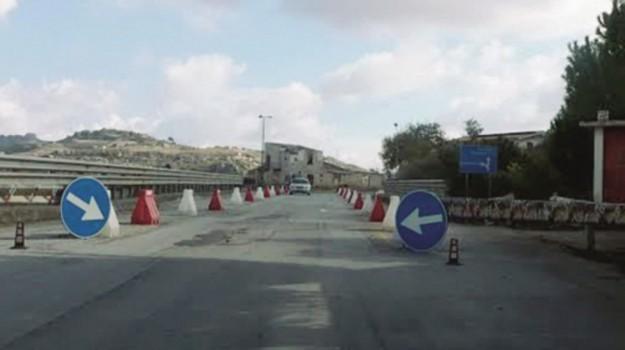 infrastrutture, Racalmuto, viadotto malati, Agrigento, Cronaca