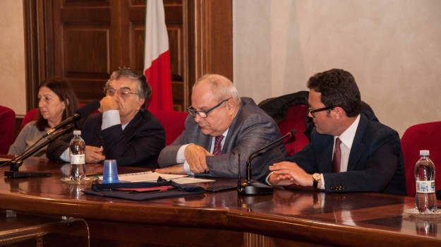 bando, LAVORO, stage, Catania, Economia