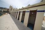 """Baby vandali allo stabilimento """"Le Terrazze"""" di Mondello: distrutti porte e vetri - Le foto"""