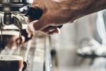 Droga spacciata in un bar di Biancavilla: locale chiuso, due arresti