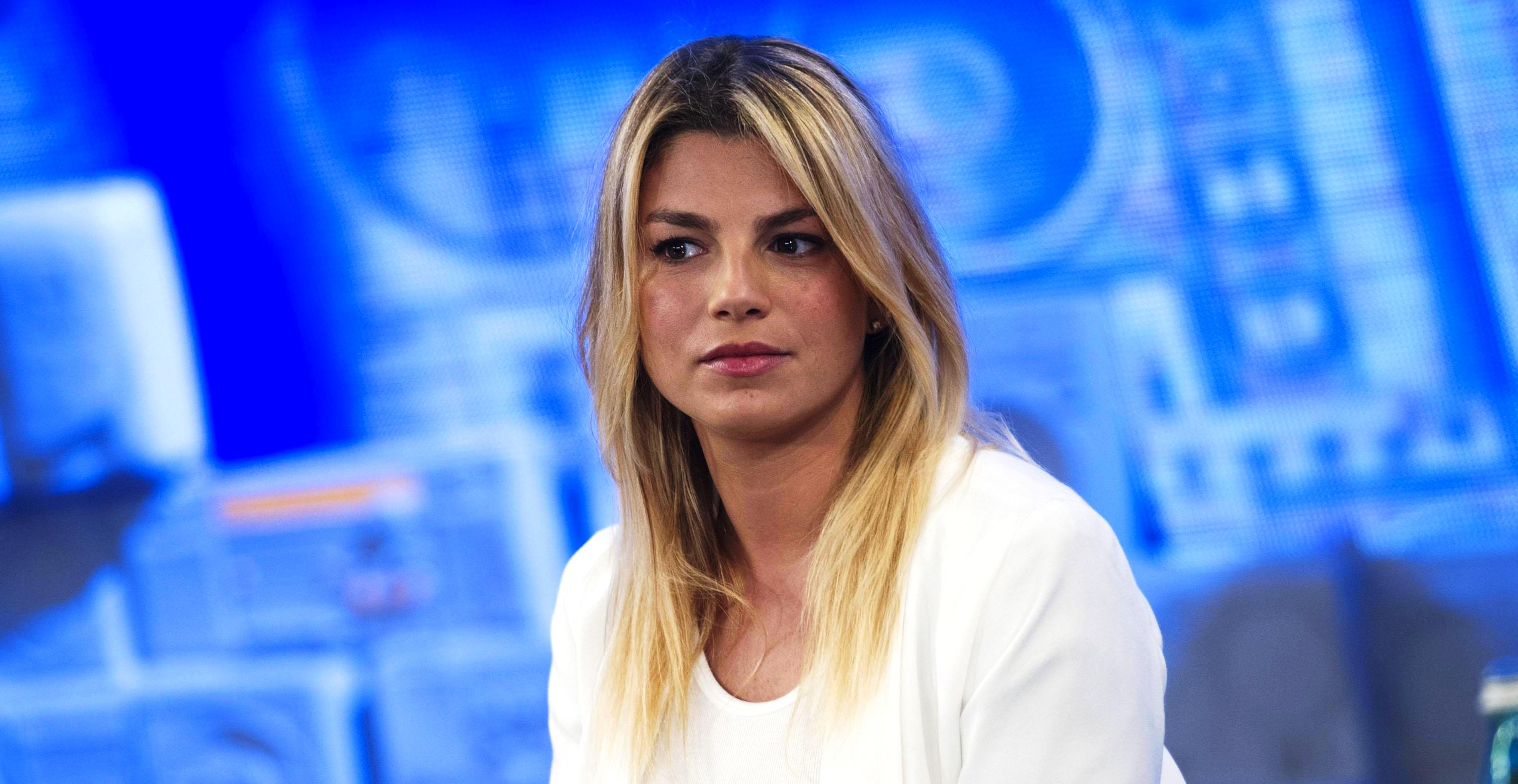 Images Emma Marrone naked (31 photos), Tits, Sideboobs, Boobs, butt 2015