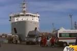 Trapani, sbarcano al porto 512 migranti