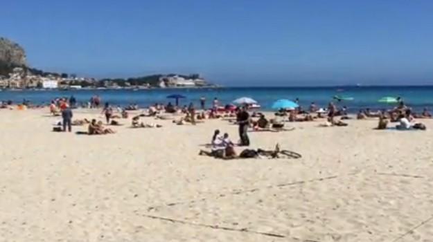 furti, mondello, spiaggia, Palermo, Cronaca