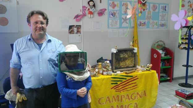 A Caltanissetta studenti alla scoperta dei segreti delle api e del miele