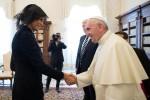 Melania e Ivanka in abito nero dal Papa - Le foto