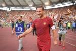 """Totti, l'Uefa gli assegna il """"Premio del Presidente"""""""