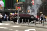 Paura a New York, auto sulla folla a Times Square: un morto e feriti. La polizia: non è terrorismo