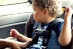 Bimbi in auto senza seggiolino: al Sud lo usano meno di due genitori su dieci