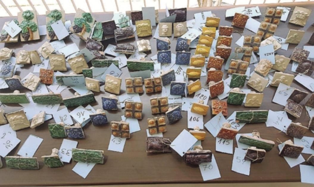 Recuperate maioliche decorative del rubate a burgio