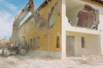 Palma, via alla demolizione del «B&B» abusivo