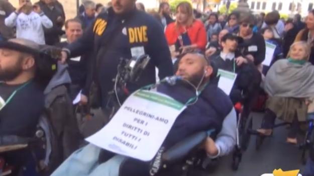 assistenza, contributi, disabili, fondi, regione, Sicilia, Politica