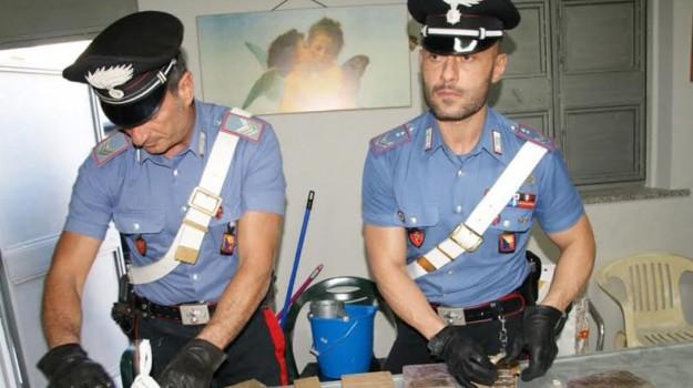 carabinieri, hashish, sperone, Palermo, Cronaca