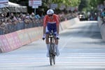Giro, Dumoulin domina la crono ed è nuova maglia rosa