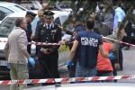 """Esplosione in strada a Roma, paura nella Capitale: """"Ordigno rudimentale tra due auto"""""""