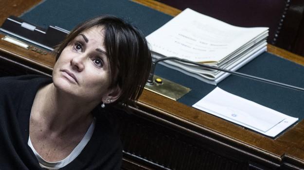 inchiesta trapani, intercettazioni, Simona Vicari, Palermo, Politica