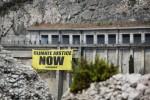 G7, Greenpeace in azione a Taormina: più azioni contro i cambiamenti climatici