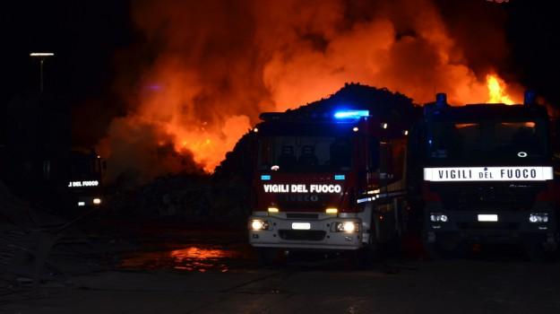 incendio termini imerese, Sicilia, Cronaca