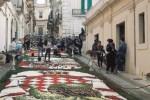 L'Infiorata a Noto, omaggio al principato di Monaco