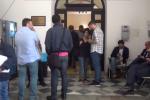 Comunali a Palermo, ultimo giorno per le liste: folla a Palazzo Jung - Video