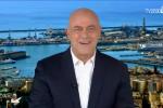 """Il Papa a Genova, il saluto di Crozza: """"Scomunicherà Grillo?"""" - Video"""