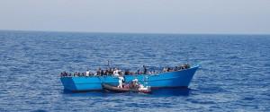 Sbarca 30 migranti sulla spiaggia di Realmonte, fermato peschereccio