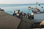 Peschereccio si schianta sul molo a Marsala, paura ma nessun ferito