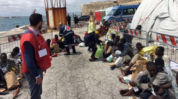 migranti, unione europea, Sicilia, Mondo