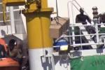 Maxi sbarco di migranti al porto di Palermo: ecco le immagini