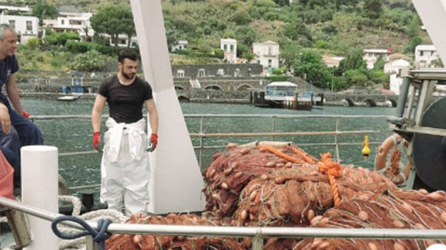 eolie, pesca illegale, Messina, Cronaca