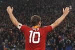 Olimpico sold out: la Roma saluta il suo simbolo, le foto che raccontano la carriera di Totti