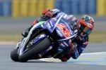 Francia, la Yamaha fa festa: pole di Vinales, Rossi secondo