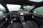Più appeal, anche alla guida, per la rinnovata Peugeot 308