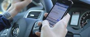 Ritiro immediato della patente per chi usa il telefonino alla guida? Partecipa al sondaggio