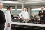 Lo chef Francesco Apreda e il direttore dell'Hotel Hassler Rome Roberto E. Wirth allo specchio