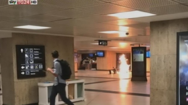 Attentato sventato a Bruxelles, Sicilia, Mondo