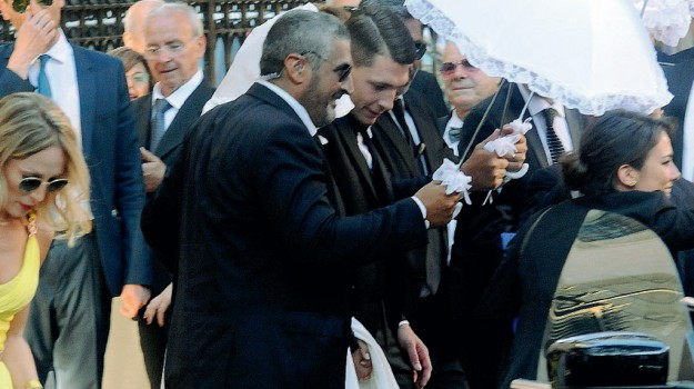 """Giorgia Duro e Andrea Belotti, il """"sì"""" fra veli e body guard: le foto del matrimonio a Palermo"""