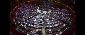 Milleproroghe, sì all'emendamento salva Napoli e Catania