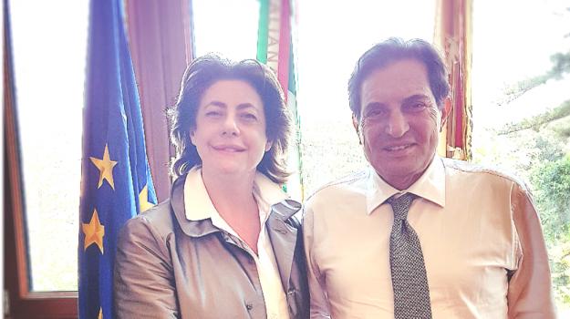 disabili gravi sicilia, Carmencita Mangano, Rosario Crocetta, Sicilia, Politica