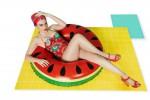 Belle in costume anche con la cellulite: la campagna con la modella curvy Charli Howard