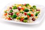 Pesto, salmone, tofu o patate? Insalata di riso: ad ognuno la sua ricetta
