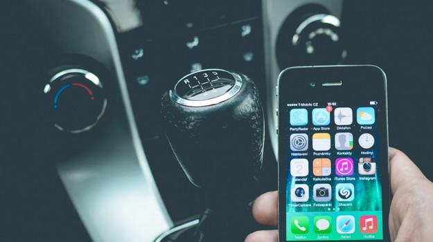 auto, iphone, Sicilia, Società