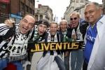 """Champions, la finale: i tifosi della Juventus """"invadono"""" il centro di Cardiff - Le foto"""