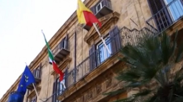 contributi, ex tabella H, regione, Sicilia, Politica