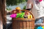 Stare all'aria aperta piace, le 5 regole per un picnic perfetto