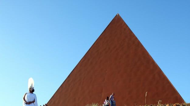 Piramide, rito della luce, Messina, Cultura