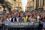 """A Palermo corteo di M5s: """"No alla pensione con una sola legislatura"""""""