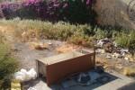 """Rifiuti ed erbacce nel quartiere Zisa a Palermo, un lettore segnala: """"Qui il degrado è costante"""""""