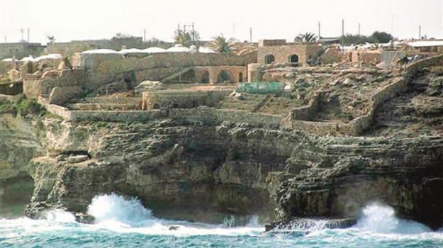 abusivismo edilizio, assoluzione, Lampedusa, Agrigento, Cronaca
